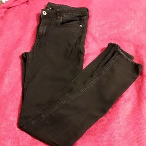 Black skins Divided pants